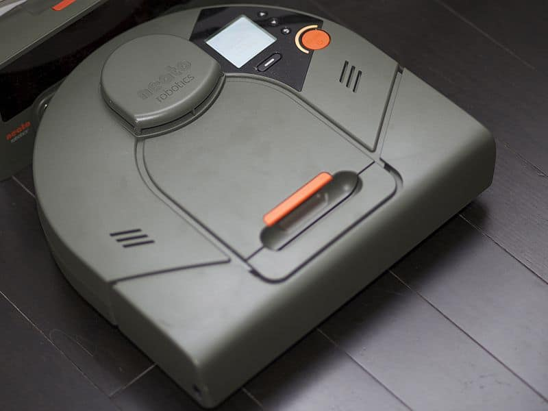 Neato XV-21: The Pet Hair Sucking Robot Vacuum